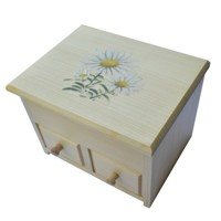 Jewellery box with daisies