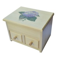 Jewellery box with a lilac