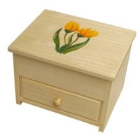 Jewellery box with a tulip